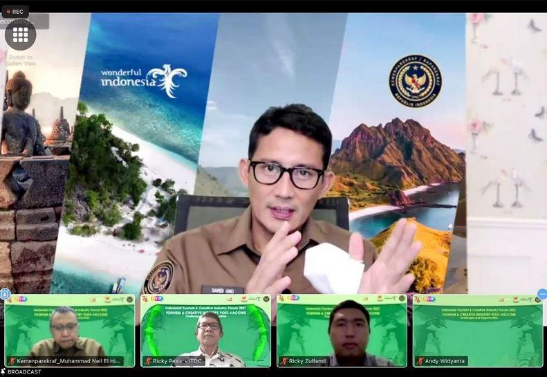 https: img.okezone.com content 2021 07 22 406 2444162 kemenparekraf-rilis-buku-outlook-parekraf-indonesia-tren-industri-pariwisata-2021-VC7wQUkohg.JPG