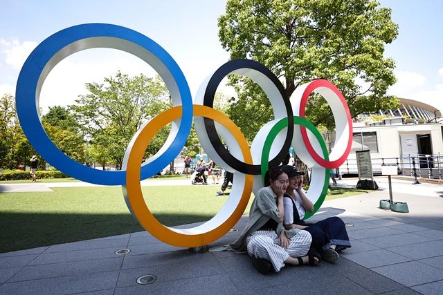 https: img.okezone.com content 2021 07 22 43 2444342 meski-tanpa-penonton-upacara-pembukaan-olimpiade-tokyo-2020-berjalan-lancar-uP9frszDPS.jpg