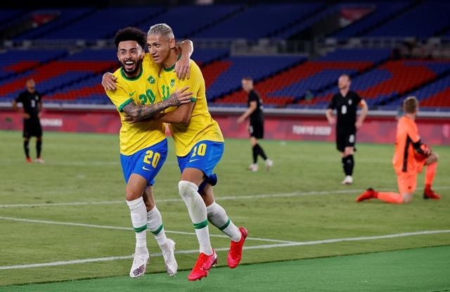 https: img.okezone.com content 2021 07 22 51 2444571 hasil-olimpiade-tokyo-2020-brasil-u-23-hantam-jerman-u-23-4eButLKnl6.jpg