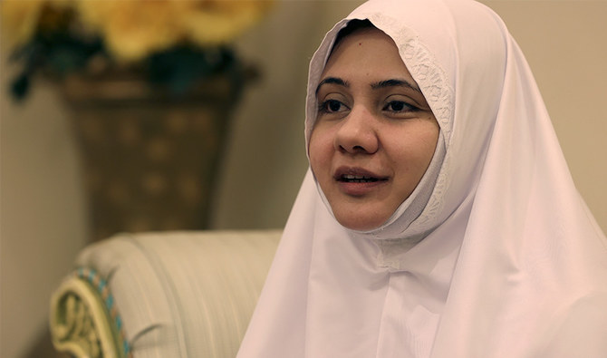 https: img.okezone.com content 2021 07 22 614 2444429 muslimah-ini-gembira-dapat-menunaikan-haji-tanpa-didampingi-mahram-YgR0ZuwwPK.jpg