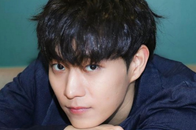 https: img.okezone.com content 2021 07 23 206 2444986 ikhlaskan-kim-young-dae-school-2021-akhirnya-konfirmasi-sang-aktor-hengkang-tMtWC9GGKX.jpg