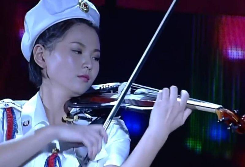 https: img.okezone.com content 2021 07 23 33 2444963 artis-korea-utara-yang-populer-seantero-dunia-yuk-kenalan-yQlTEu12eh.jpg