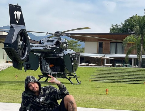 https: img.okezone.com content 2021 07 23 51 2444875 unjuk-kekayaan-neymar-jr-pamer-helikopter-seharga-rp221-miliar-olyx61DwnB.jpg