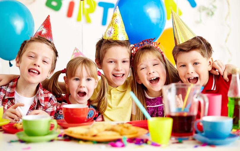 https: img.okezone.com content 2021 07 23 612 2444775 ternyata-ini-manfaat-baik-tiup-lilin-ketika-anak-ulang-tahun-XZcv3oLeyA.jpg