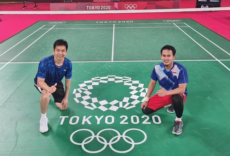 https: img.okezone.com content 2021 07 24 40 2445416 mulus-bungkam-wakil-kanada-ahsan-hendra-awali-olimpiade-tokyo-2020-dengan-manis-peaQ8wAFka.jpg