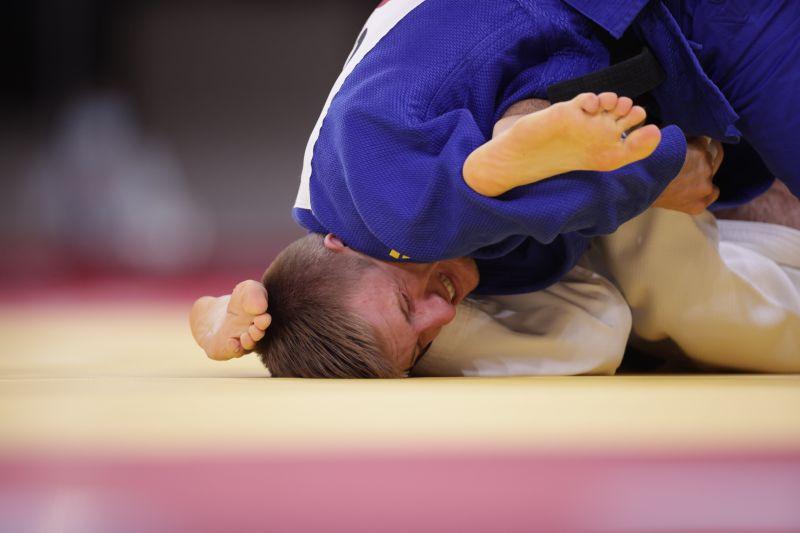 https: img.okezone.com content 2021 07 24 43 2445312 tolak-lawan-atlet-israel-pejudo-aljazair-mundur-dari-olimpiade-tokyo-2020-JsmlvJFjES.jpg
