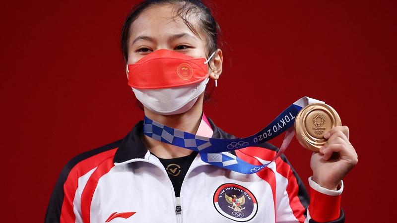 https: img.okezone.com content 2021 07 24 43 2445340 windy-cantika-sumbang-medali-pertama-untuk-indonesia-di-olimpiade-tokyo-2020-2cVCjBmlF6.jpg