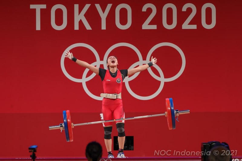 https: img.okezone.com content 2021 07 24 43 2445520 windy-cantika-tak-sangka-bisa-pertahankan-tradisi-medali-cabor-angkat-besi-di-olimpiade-UqQKurWoT8.jpg
