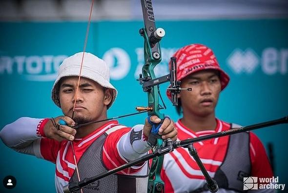 https: img.okezone.com content 2021 07 25 43 2445562 perjuangan-keras-anak-penjaga-sekolah-hingga-bela-indonesia-di-olimpiade-tokyo-2020-siapa-dia-SMBwhApWAT.jpg
