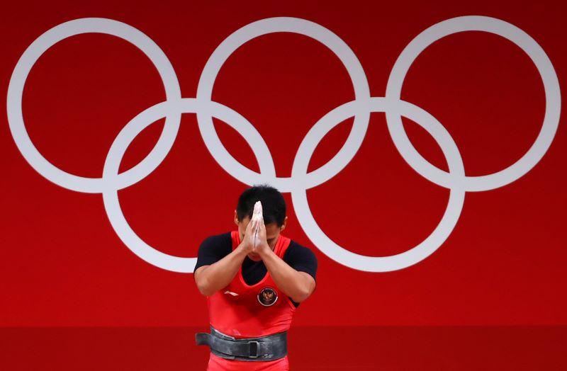 https: img.okezone.com content 2021 07 25 43 2445736 eko-yuli-irawan-minta-maaf-gagal-sumbang-medali-emas-di-olimpiade-tokyo-2020-ZyG3lj17Tv.JPG