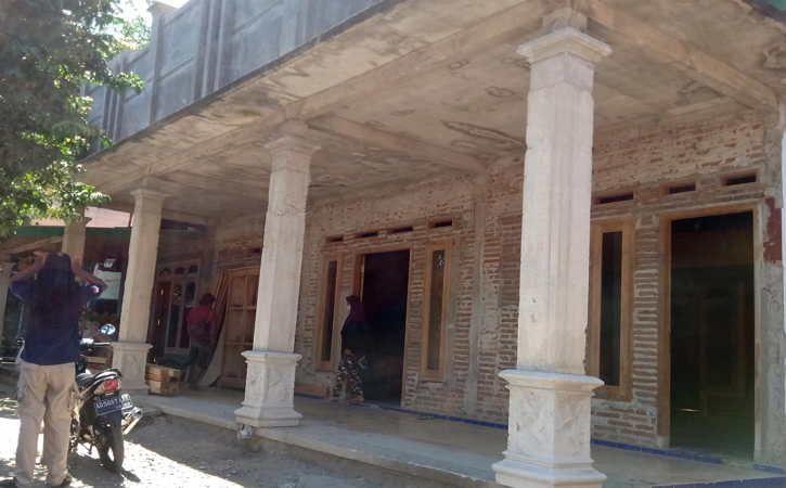 https: img.okezone.com content 2021 07 25 512 2445622 keluarga-siapkan-rumah-untuk-alviano-bocah-yang-ortunya-meninggal-karena-covid-19-eVUXCThrRt.jpg
