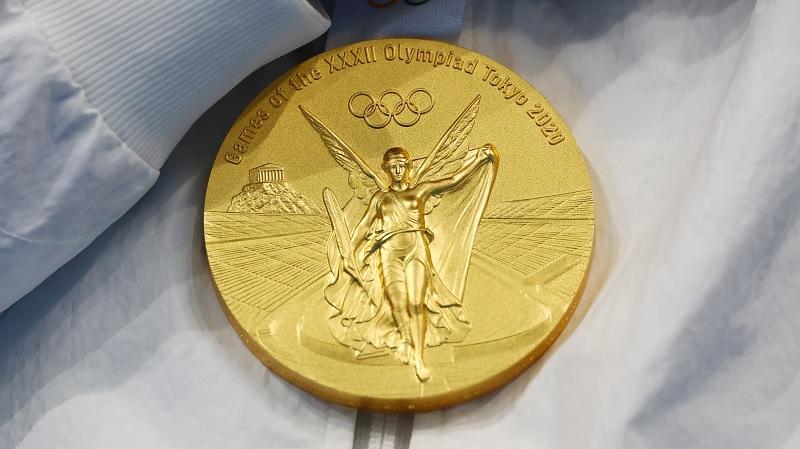 https: img.okezone.com content 2021 07 26 43 2446110 klasemen-sementara-perolehan-medali-olimpiade-tokyo-2020-senin-26-juli-pukul-13-00-wib-indonesia-di-urutan-22-RRy7chC41Q.jpg