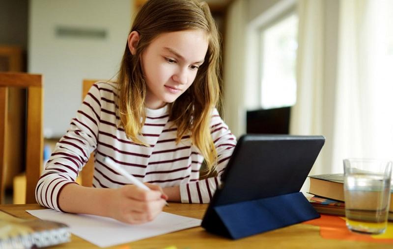 https: img.okezone.com content 2021 07 26 57 2446099 platform-belajar-digital-ini-dukung-metode-belajar-daring-siswa-selama-pandemi-N8lMk8OaZC.jpg