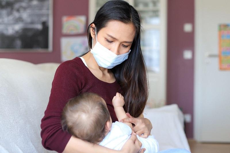 https: img.okezone.com content 2021 07 27 481 2446497 ibu-menyusui-positif-covid-19-ini-panduan-berikan-asi-yang-aman-1HPipd8beW.jpg