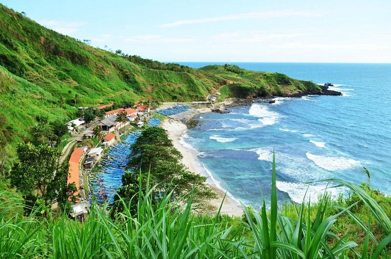 https: img.okezone.com content 2021 07 28 408 2447288 pantai-menganti-kebumen-destinasi-wisata-eksotis-seperti-di-selandia-baru-aYMfa650gg.jpeg