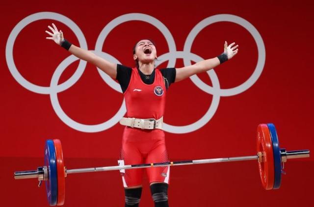 https: img.okezone.com content 2021 07 28 43 2447437 windy-cantika-aisah-berpotensi-raih-perak-jika-lifter-china-terbukti-memakai-doping-UAOCULMe2m.jpg