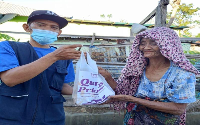 https: img.okezone.com content 2021 07 28 614 2447540 masyarakat-daerah-terluar-indonesia-terima-manfaat-kurban-prioritas-bmm-vWh4b2voPM.jpg
