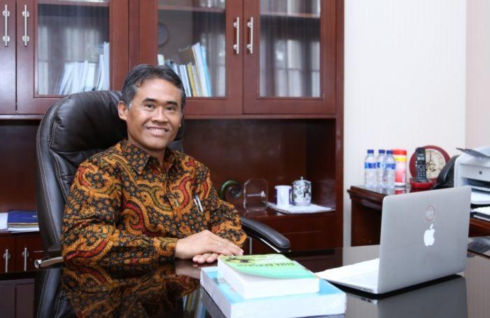 https: img.okezone.com content 2021 07 28 65 2447255 forum-rektor-indonesia-berharap-perguruan-tinggi-jadi-solusi-hadapi-situasi-saat-ini-bTKG6lXCzf.jpg