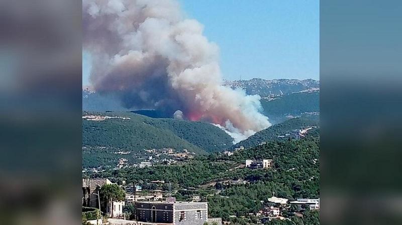 https: img.okezone.com content 2021 07 29 18 2447714 kebakaran-hutan-dahsyat-landa-lebanon-utara-warga-kocar-kacir-melarikan-diri-ml7uHp8q83.jpg