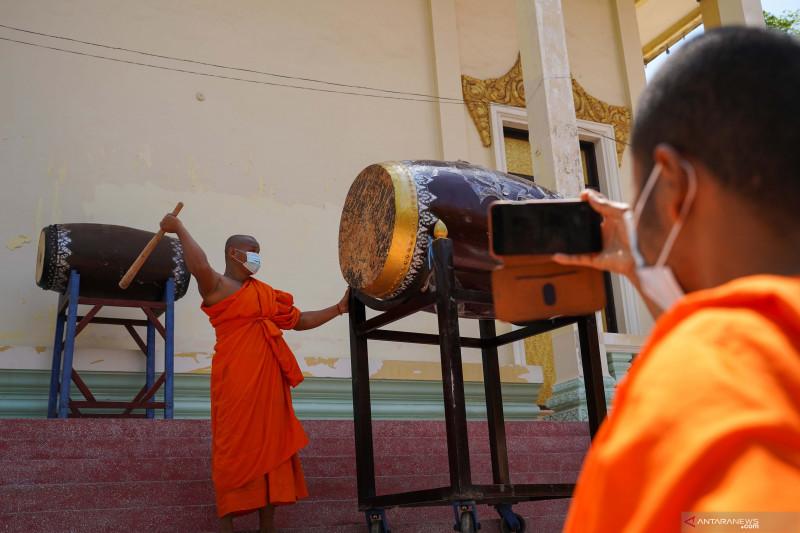 https: img.okezone.com content 2021 07 29 18 2447925 kamboja-akan-lockdown-area-perbatasan-dengan-thailand-SagWx3Mx5X.jpg