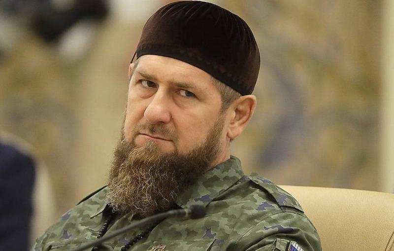 https: img.okezone.com content 2021 07 29 18 2447965 chechnya-larang-warga-yang-tak-divaksin-masuk-masjid-gunakan-transportasi-umum-IIYCfROM11.jpg