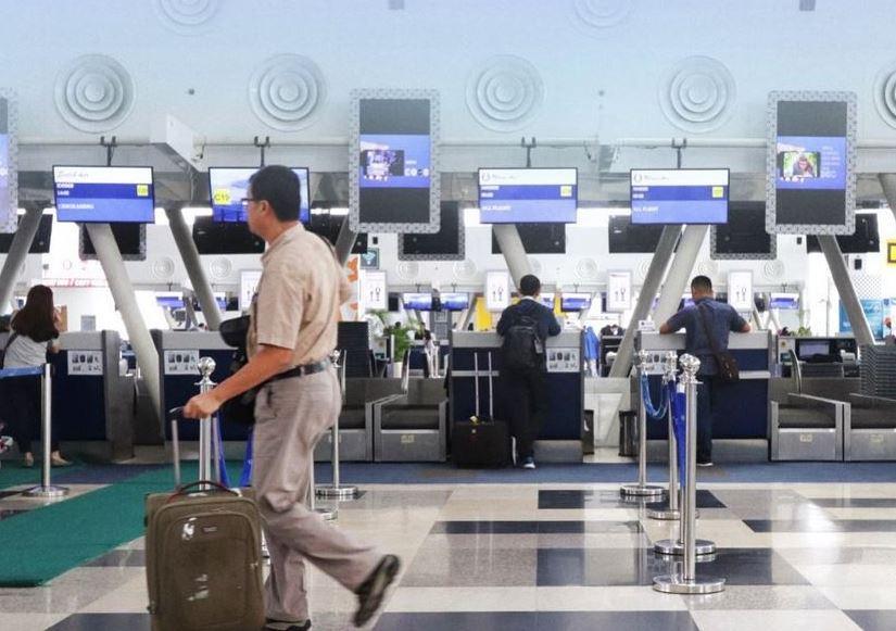 https: img.okezone.com content 2021 07 29 406 2447624 catat-begini-syarat-terbaru-perjalanan-domestik-di-bandara-kualanamu-ERuPSJJk64.JPG