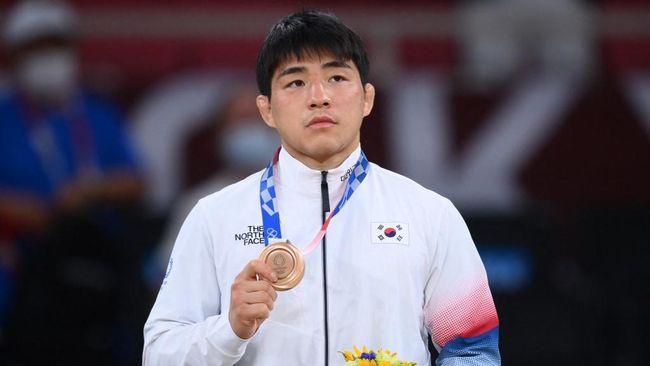 https: img.okezone.com content 2021 07 29 43 2447851 setelah-hina-indonesia-tv-korea-selatan-lecehkan-atletnya-sendiri-fJcS2sHjAo.jpeg