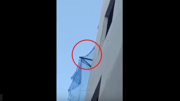 https: img.okezone.com content 2021 07 29 525 2448071 viral-benda-aneh-melayang-di-langit-kota-bandung-3qnYvze4ov.JPG
