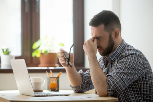 https: img.okezone.com content 2021 07 29 612 2447723 pandemi-bisa-sebabkan-burnout-pekerja-begini-4-cara-mencegahnya-hY2tvNSA4d.jpg