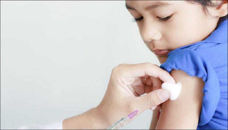https: img.okezone.com content 2021 07 29 612 2448036 curhat-anak-anak-soal-pandemi-covid-19-berharap-semua-orang-mau-divaksin-QbYLZe8eMM.jpg