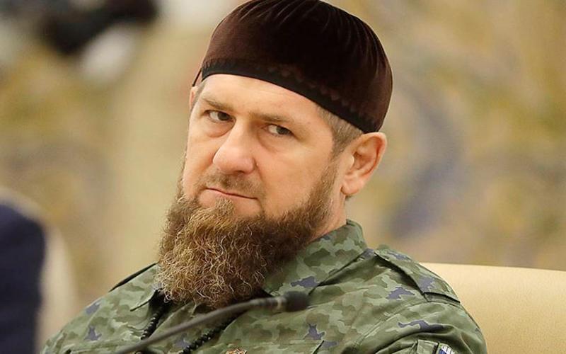 https: img.okezone.com content 2021 07 29 614 2447817 di-chechnya-warga-yang-belum-divaksin-dilarang-masuk-ke-masjid-hLqQZA6dJK.jpg