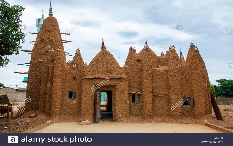 https: img.okezone.com content 2021 07 29 614 2448130 8-masjid-kuno-kekaisaran-mali-di-pantai-gading-kini-berstatus-warisan-dunia-unesco-LLplB0R8tU.jpg