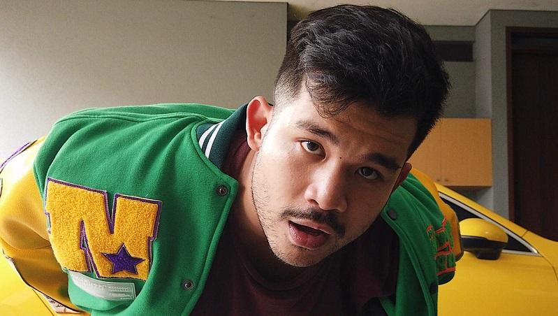 https: img.okezone.com content 2021 07 30 205 2448694 lagu-baru-a-nayaka-featuring-sonaone-yhb-sleepsalot-tembus-tangga-lagu-malaysia-sKf704Bmvy.jpeg