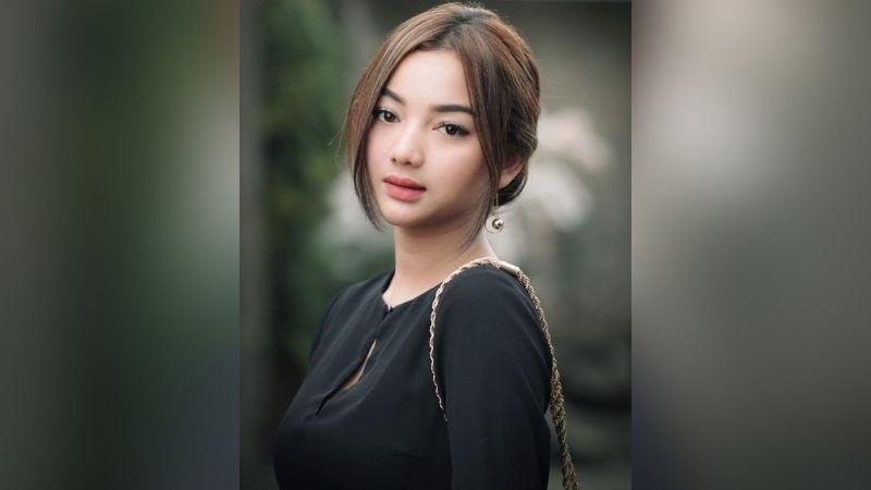 https: img.okezone.com content 2021 07 30 611 2448405 4-potret-glenca-chysara-dengan-korean-makeup-look-cantiknya-bikin-susah-kedip-NLkbfXu1db.jpg