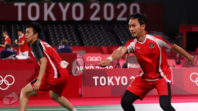 https: img.okezone.com content 2021 07 31 40 2448996 dikalahkan-ganda-malaysia-mohammad-ahsan-hendra-setiawan-gagal-sumbang-medali-bagi-indonesia-di-olimpiade-tokyo-2020-2WCRrUbKkW.jpg