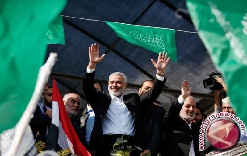 https: img.okezone.com content 2021 08 02 18 2449345 haniyeh-terpilih-kembali-sebagai-ketua-hamas-5BKuldhzxg.jpg