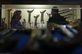 https: img.okezone.com content 2021 08 02 337 2449846 malam-1-suro-perayaan-sakral-bagi-masyarakat-jawa-yang-kental-cerita-mistis-y9HEpfeGe9.jpg