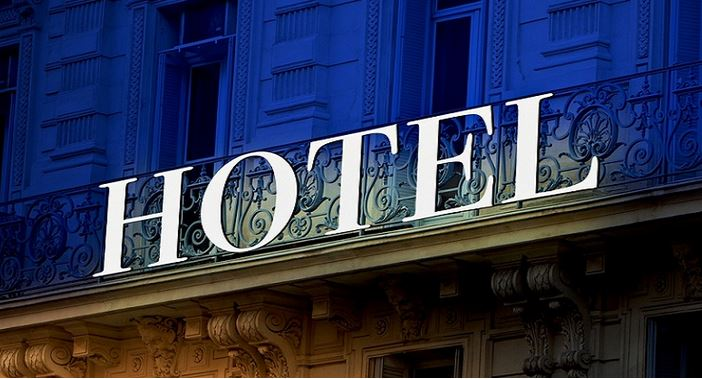 https: img.okezone.com content 2021 08 02 406 2449414 hunian-anjlok-tajam-karyawan-hotel-di-sulsel-terancam-dirumahkan-7lF15XzPkL.JPG