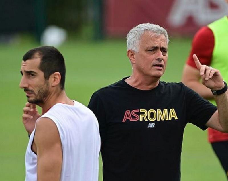 https: img.okezone.com content 2021 08 02 47 2449393 as-roma-ditangani-mourinho-leonardo-spinazzola-sambut-positif-OMKK9UAF2A.jpg
