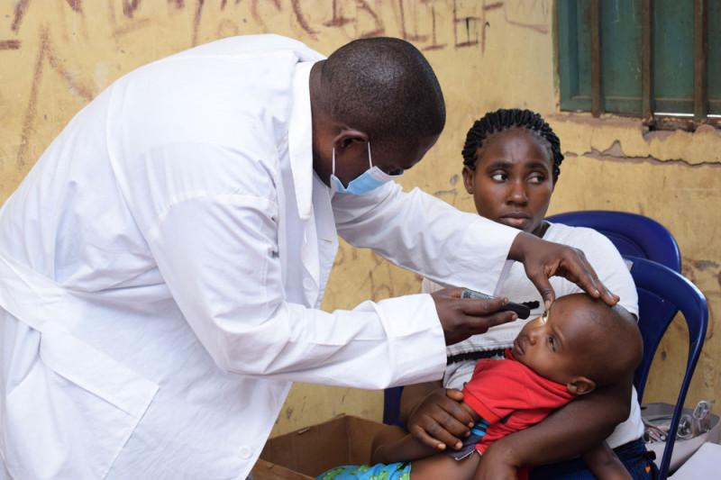 https: img.okezone.com content 2021 08 03 18 2450342 dokter-dokter-di-nigeria-mogok-kerja-tuntut-pembayaran-gaji-OzkmvceqYf.jpg