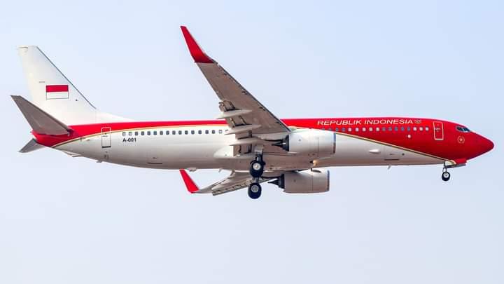 https: img.okezone.com content 2021 08 03 337 2450205 pesawat-presiden-dicat-merah-putih-sudah-beroperasi-sejak-17-juli-2021-REKddOa0hG.jpg