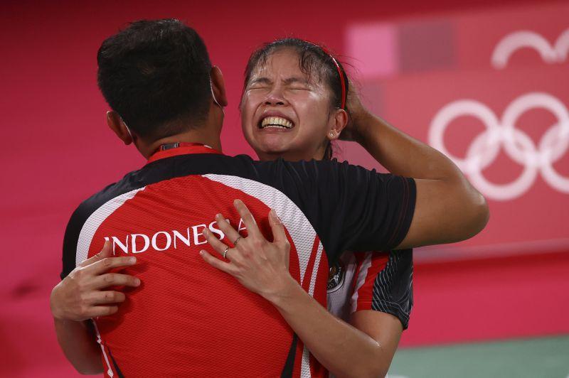 https: img.okezone.com content 2021 08 03 40 2450071 5-ganda-putri-bulu-tangkis-terbaik-indonesia-nomor-1-rebut-emas-olimpiade-tokyo-2020-Oq8CL0SR1f.jpg