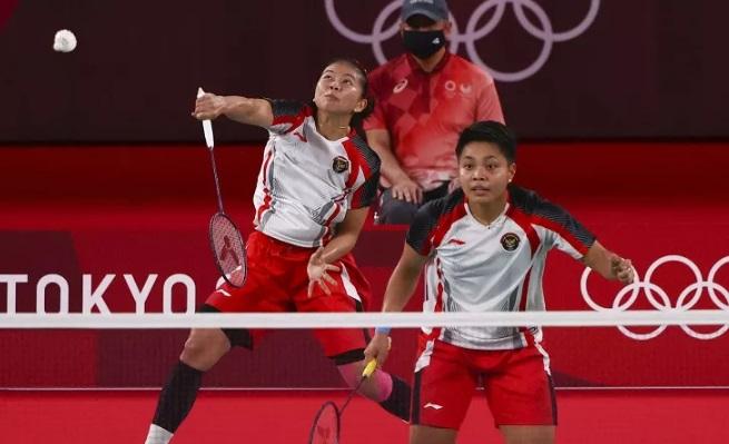 https: img.okezone.com content 2021 08 03 40 2450275 usai-olimpiade-tokyo-2020-greysia-diminta-tunggu-apriyani-matang-sebelum-putuskan-pensiun-x7JgEUoG9l.jpg