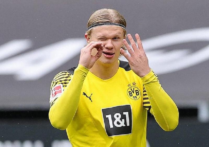 https: img.okezone.com content 2021 08 03 51 2450201 5-striker-muda-terbaik-dunia-nomor-1-pemuja-cristiano-ronaldo-VXRc7J6zm0.jpg
