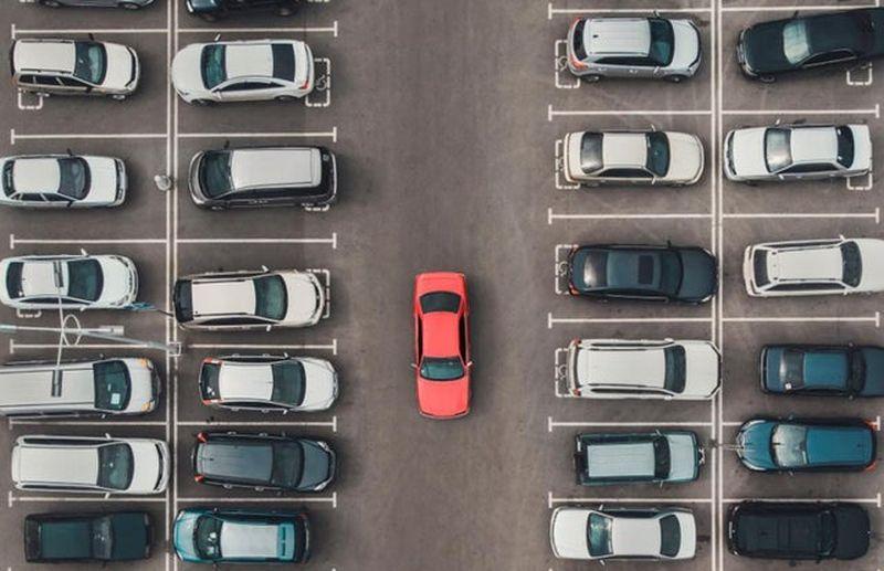 https: img.okezone.com content 2021 08 03 52 2450095 produsen-mobil-keluhkan-kekurangan-chip-produksi-kendaraan-terhambat-Qol7561kRx.jpg