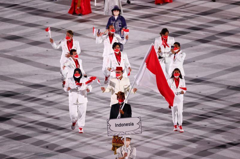 https: img.okezone.com content 2021 08 04 194 2450536 termasuk-indonesia-ini-5-seragam-kontingen-paling-stylish-di-olimpiade-tokyo-2020-9JgsqMDGSR.jpg
