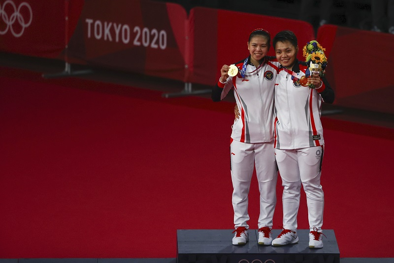 https: img.okezone.com content 2021 08 04 40 2450616 indonesia-huni-3-besar-di-klasemen-akhir-bulu-tangkis-olimpiade-tokyo-2020-fDDMBlKQiH.jpg