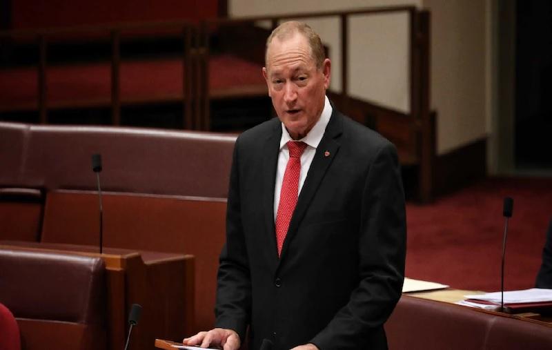 https: img.okezone.com content 2021 08 05 18 2451119 pengadilan-perintahkan-mantan-senator-australia-hapus-konten-anti-muslim-di-facebook-dan-twitter-plCADjr8e4.jpg