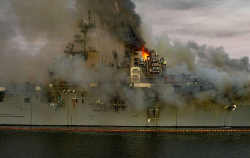 https: img.okezone.com content 2021 08 05 18 2451343 pelaut-dituduh-membakar-kapal-perang-as-diduga-motif-dendam-lRwNRIz1bm.jpg