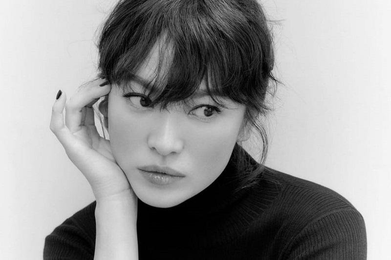 https: img.okezone.com content 2021 08 05 33 2451354 honor-endorsement-song-hye-kyo-capai-rp6-miliar-di-instagram-8ianjlFuLp.jpg